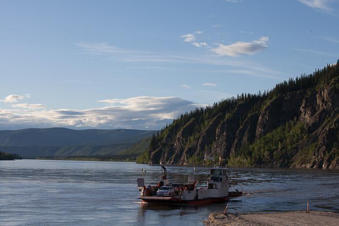 01-Gibaud-Canada-Yukon-Dawson City-Photography-Ferry