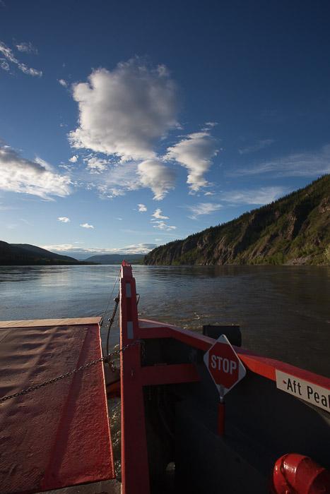 02-Gibaud-Canada-Yukon-Dawson City-Photography-Ferry