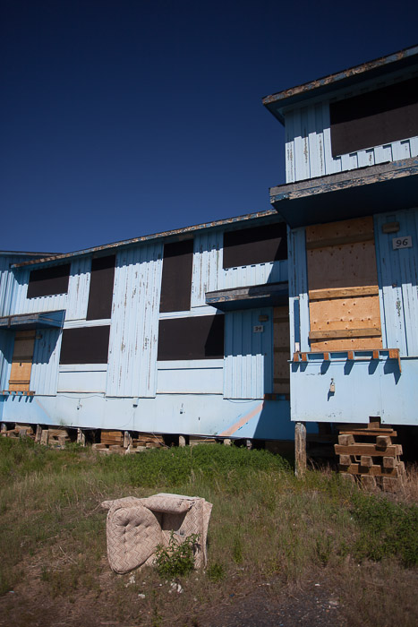02-Gibaud-Transam-Photography-Canada-NWT-Inuvik-Blue Houses