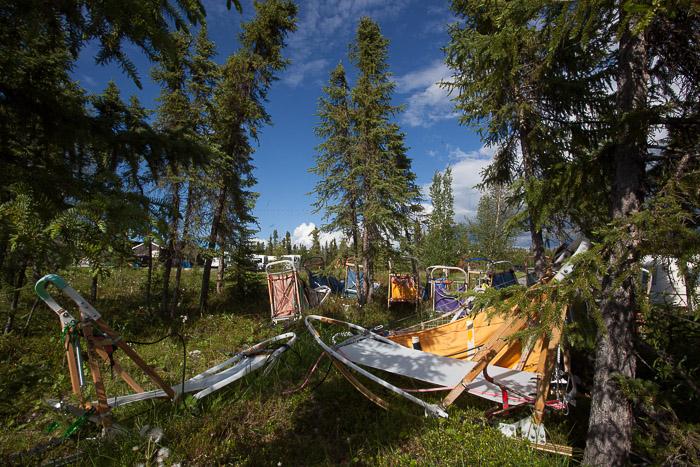 02-Gibaud-Transam-Photography-Canada-NWT-Inuvik-Sleds