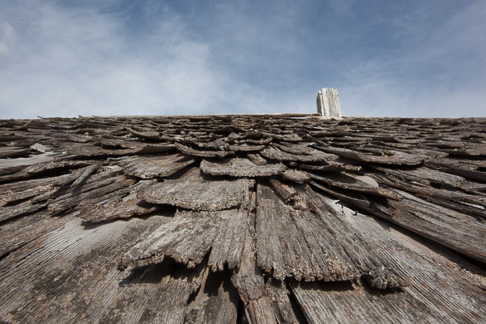 03-Gibaud-Canada-Alberta-Photography-Wooden Roof