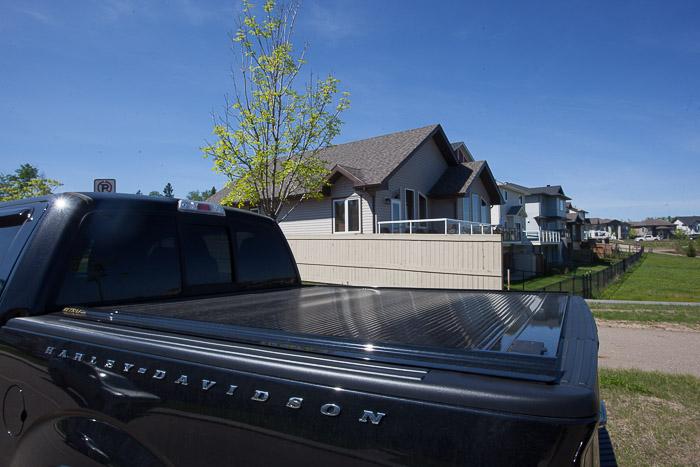 05-Gibaud-Canada-Alberta-FortMcMurray-Photography-Car