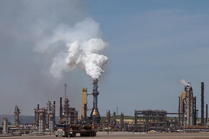 08-Gibaud-Canada-Alberta-FortMcMurray-Photography-Petrol
