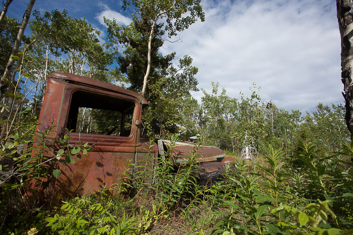 03-Gibaud-Transam-Photography-Canada-Atlin lake-rusty car