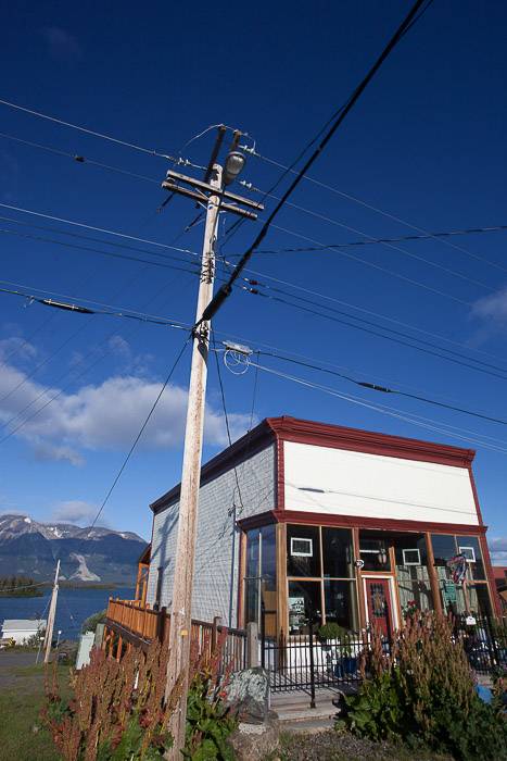 06-Gibaud-Transam-Photography-Canada-Atlin lake-shop